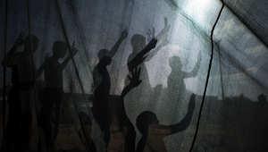 شباب فلسطينيون يشاركون في معسكر صيفي نظمته حركة حماس في رفح، غزة.