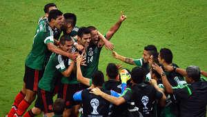 """أما المنتخب المكسيكي فاحتل المركز الثاني، بنفس الرصيد، بعد فوزه على الكاميرون بهدف دون رد، ثم التعادل السلبي مع """"السامبا""""، والفوز على منتخب كرواتيا بثلاثة أهداف مقابل هدف."""