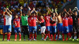 المجموعة الرابعة شهدت هي الأخرى مفاجأة تمثلت بتصدر منتخب كوستاريكا بـ7 نقاط، بعد فوزه على أوروغواي 3-1، ثم على إيطاليا بهدف دون مقابل، قبل أن يتعادل سلبياً مع المنتخب الإنجليزي.