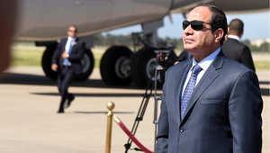أرشيف- الرئيس المصري عبد الفتاح السيسي لدى وصوله في إلى مطار هواري بومدين في زيارة للجزائر 25 يونيو/ حزيران 2014