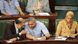 رئيس كتلة حزب النهضة الصحبي عتيق يتحدث مع عضو المجلس التنفيذي للحزب عامر العريضي