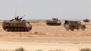 أرشيف - قوات أردنية قرب معبر الكرامة على الحدود مع العراق 25 يونيو / حزيران 2014