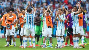 المنتخب الأرجنتيني كان ثالث المنتخبات التي تحصد العلامة الكاملة، ليتصدر المجموعة السادسة بثلاثة انتصارات، بدأها بالفوز على البوسنة والهرسك 2-1، ثم على إيران بهدف دون رد، وأخيراُ على نيجيريا 3-2.