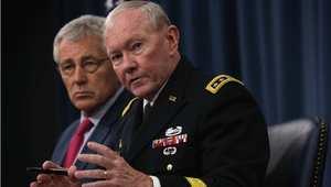 رئيس هيئة الأركان الأمريكية المشتركة الجنرال مارتن ديمبسي، ووزير الدفاع تشاك هاغل