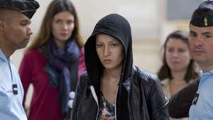 """تقارير: فرنسا تعتقل الناشطة التونسية امينة بسبب """"بلاغ كاذب"""""""