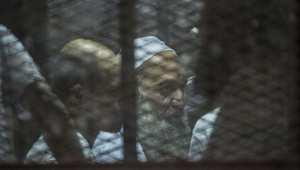 محمد الظواهري شقيق زعيم تنظيم القاعدة في قصف الاتهام بالمحكمة