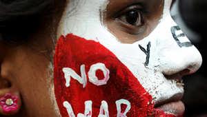 ناشطة هندية تشارك في اجتماع حاشد بمناسبة يوم هيروشيما في مومباي