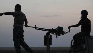 مقاتلون من البشمرغة يقفون على خط الجبهة مع داعش