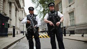 بريطانيا: اعتقال شاب للاشتباه بتقديمه مساعدة لآخر للقيام بعمل إرهابي