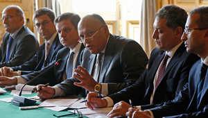 وزير الخارجية المصري سامح شكري يتحدث خلال اجتماع مع وزير الشؤون الخارجية الفرنسية ورجال أعمال فرنسيين حول مواضيع اقتصادية