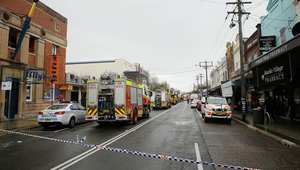 سيدني، أستراليا -- منظر عام لشارع دارلينغ، في ضوارحي العاصمة الاسترالية، حيث وقع انفجار في أحد المحلات التجارية أدى لإصابة 3 أشخاص بجروح وفقدان أم وطفلها