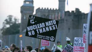 متظاهرون مناهضون للحلف الاطلسي أثناء قمة عُقدت في 4 سبتمبر وُصفت بأنها الأهم منذ نهاية الحرب الباردة