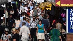ماريبول، أوكرانيا -- شوارع مدينة ماريبول، كبرى مدن شرق أوكرانيا وقد اكتضت بالناس بعد الإعلان عن التوصل إلى هدنة 5 سبتمبر/ أيلول 2014