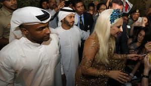 بالصور..ليدي غاغا في دبي لإحياء حفل موسيقي الليلة