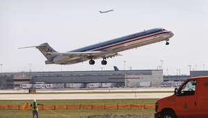 طاهرة تقلع من مطار أوهير الدولي في شيكاغو