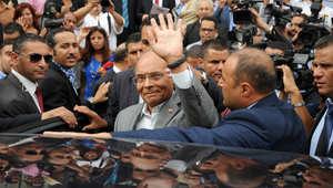 الرئيس منصف المرزوقي بعد تقديم ترشيحه للانتخابات الرئاسية القادمة في تونس