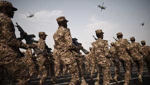 خلفان: مطلوب قوات تحالف عربي.. العرب 250 مليونا لا يصنعون شيئا وأمريكا  320 مليونا يصنعون كل شيء