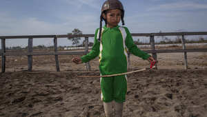 فرسان الخيل في إندونيسيا..أطفال يتقاضون 5 دولارات فقط