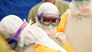 مجلة تايم الأمريكية تمنح لقب شخصية العام للعاملين بمكافحة فيروس إيبولا