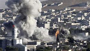 دخان كثيف في كوباني بسوريا مع اشتداد القتال بين الأكراد ومسلحين من جماعة الدولة الاسلامية