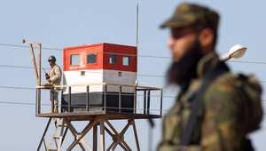 فلسطيني ومصري في دورية بالمنطقة الحدودية في رفح