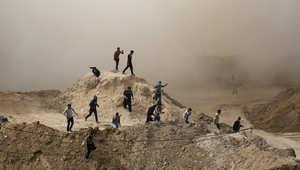 دخان بعد تفجير منزل في أثناء عملية عسكرية من قبل قوات الأمن المصرية في مدينة رفح المصرية
