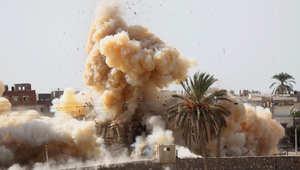 دخان يرتفع بعد تفجير منزل أثناء عملية عسكرية من قبل قوات الأمن المصرية في مدينة رفح قرب الحدود مع قطاع غزة