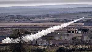 """صاروخ أطلقه داعش على مواقع لقوات الحماية الشعبية في عين العرب """"كوباني"""""""