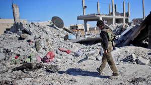 """مقاتل من قوة الحماية الشعبية في كوباني """"عين العرب"""" شمال سوريا"""