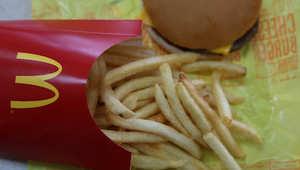 ماكدونالدز يعد زبائنه بطعام أفضل