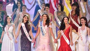 بالصور.. رولين ستراوس تنال لقب ملكة جمال العالم 2014
