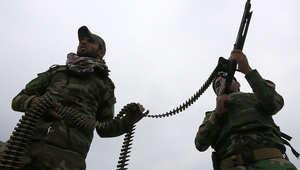 مقاتلون موالون للحكومة العراقية يحاربون تنظيم داعش