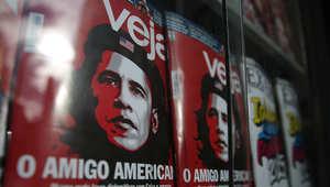 رسم كاريكاتوري للرئيس الأمريكي باراك أوباما يظهر فيه على شكل الثائر الشيوعي تشي غيفارا أحد رموز الثورة الكوبية، على غلاف مجلة برازيلية 21 ديسمبر/ كانون الأول 2014