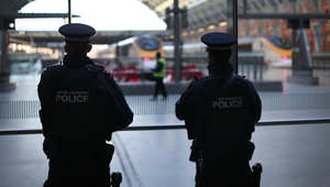 بريطانيا: اعتقال شاب من بيرمينغهام للاشتباه بتحضيره للسفر إلى سوريا
