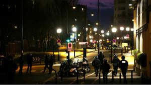 قوات الشرطة الفرنسية لدى تحركها إلى موقع احتجاز الرهائن في بورت دي فينسينيس