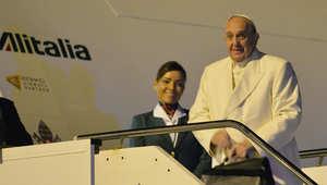 البابا في بداية رحلته إلى سريلانكا 12 يناير/ كانون الثاني 2015