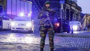 بلجيكا: احتجاز شخص سلوفاكي بملابس مموهة قرب البرلمان الأوروبي عثر بسيارته على سلاح ومنشار آلي