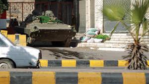 دبابة تتمركز أمام منزل الرئيس اليمني عبدربه منصور هادي في العاصمة صنعاء21 يناير/ كانون الثاني 2015