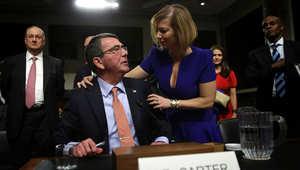 اشتون كارتر مع زوجته ستيفاني بعد جلسة استماع في الكونغرس 4 فبراير/ شباط 2015