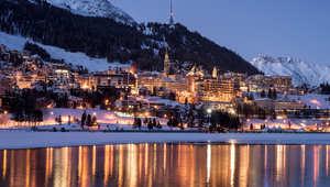 """مدينة سانت موريتز السويسرية قبل بدء سباق """"وايت تيرف"""""""