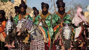 بالصور..الحرس الملكي يمتطي الأحصنة لتتويج الأمراء في نيجيريا