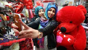 شاهدوا الاحتفالات بعيد الحب في الشرق الأوسط والعالم