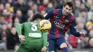 ميسي عادَل رقم البرتغالي كريستيانو رونالدو بعدد الهاتريك المسجل في الدوري الإسباني (23 ثلاثية)