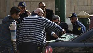 الشرطة المصرية تحقق في موقع انفجار أمام المحكمة العليا في وسط القاهرة 2 مارس/ آذار 2015