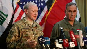 رئيس هيئة الأركان المشتركة الأمريكية الجنرال مارتن ديمبسي في مؤتمر صحفي مشترك مع وزير الدفاع العراقي خالد العبيدي في بغداد 9 مارس/ آذار 2015