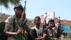 جنود موالون للرئيس عبدربه منصور هادي قرب مطار عدن 19 مارس/ آذار 2015