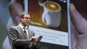 مسؤول الخدمات الرقمية في ستاربكس آدم بروتمان خلال ترويج خدمة تطبيق الدفع عبر الهاتف، 18 مارس/ آذار 2015