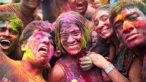 احتفالات الهندوس بمهرجان الألوان في ماليزيا