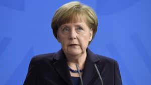 المستشارة الألمانية أنجيلا ميركل بعد الإعلان عن سقوط الطائرة الألمانية