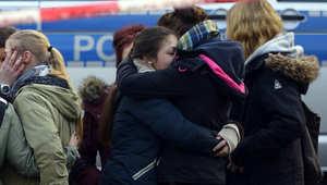 أقارب ركاب الطائرة من طلاب المدرسة في هالتيرن حيث كان 16 طالب ومعلمين على متن الطائرة الألمانية التي سقطت جنوب فرنسا 24 مارس/ آذار 2015